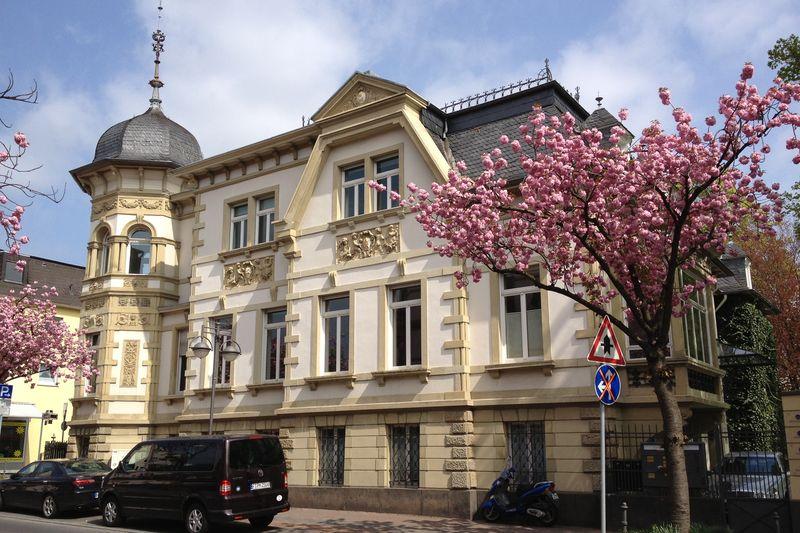 Die Villa Hammelmann in Bad Homburg, Unternehmenssitz der Deutschen Gesellschaft für wirtschaftliche Zusammenarbeit (DGWZ).