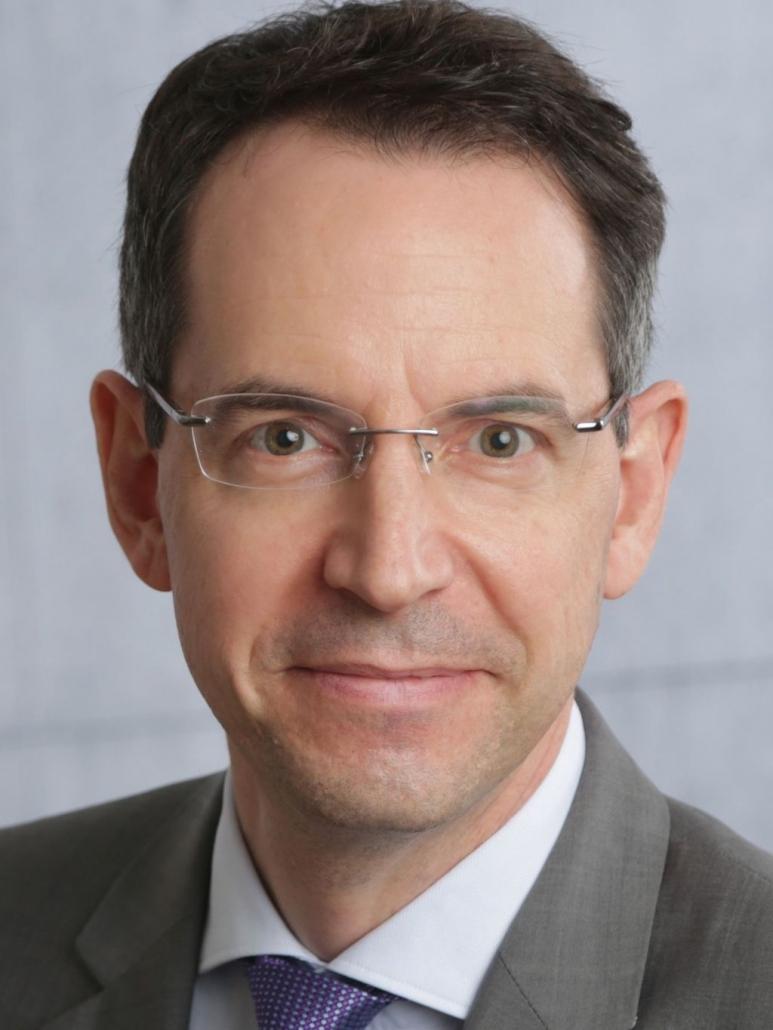 Dr. Matthias Rychetsky