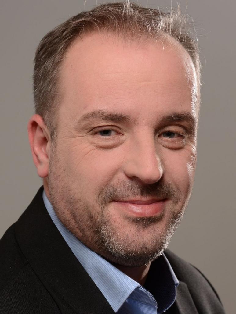 Michael Uhl (BNT Notstromtechnik) ist Industrieelektroniker und langjähriger Fachmann für Sicherheitsbeleuchtung mit Praxiserfahrung.