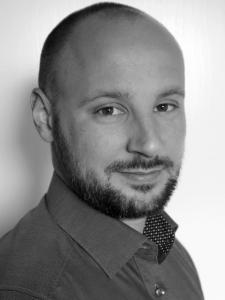 Porträtfoto Raphael Mayer - Technischer Risikomanager nach DIN VDE V 0827