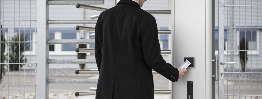 Sichere Zutrittskontrolle für Gebäude
