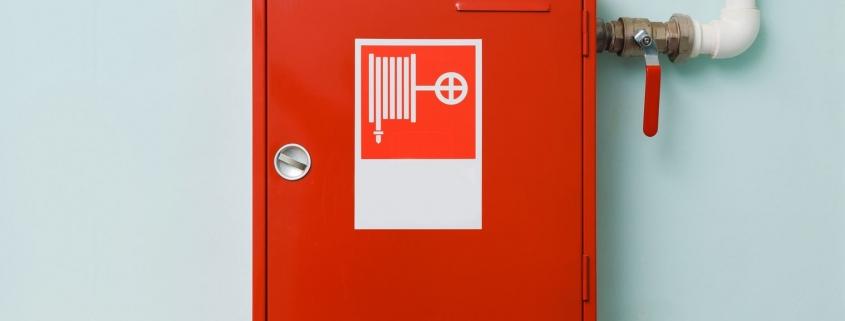Regelmäßige Prüfung und Instandhaltung von Wandhydranten und Löschwasserleitungen nach DIN EN 671 und DIN 14462